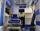 Fiat Ducato - ambulans, widok wnętrza przedziału medycznego.